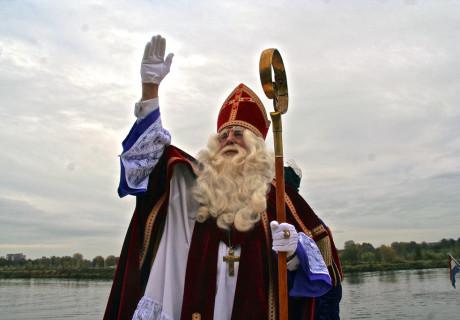 Sintenpietkledingverhuur.nl – de grootste garderobe van maastricht